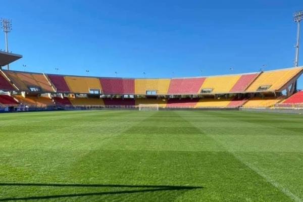 Biglietti, tariffe e punti vendita: le misure organizzative per le partite del Lecce