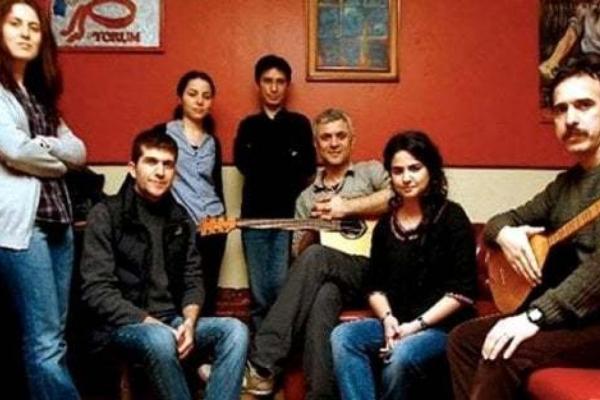 Riapre al pubblico il Teatro Paisiello: il 4 ottobre concerto di Grup Yorum