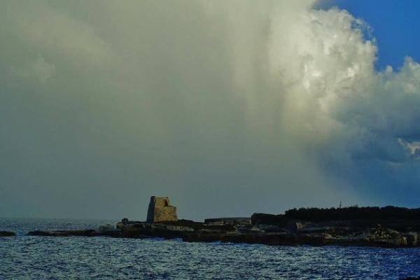 Nuvole e qualche pioggia, sabato all'insegna del caldo umido