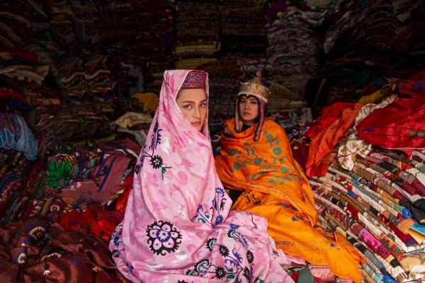 Donne e Afghanistan, a Lecce il ministro Messa per la mostra «Beauty amid War»